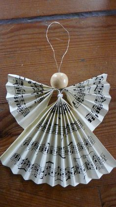 Ange en papier pour décoration de noêl pouvant être accroché dans un sapin : Accessoires de maison par lillyka