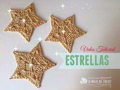 Beatriz Santos shared a video Crochet Star Patterns, Crochet Stars, Crochet Gratis, Diy Crochet, Crochet Flor, Christmas Tree Pattern, Christmas Words, Crochet Videos, Beautiful Crochet