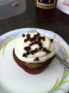 cookie dough filled cupcakes {omg so good}