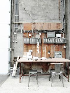 Industrial Design, Pictures, Remodel, Decor and Ideas Industrial Workspace, Industrial Living, Industrial Interiors, Modern Industrial, Industrial Furniture, Vintage Industrial, Mid-century Modern, Wood Furniture, Design Industrial