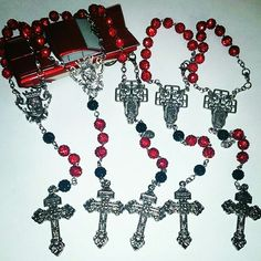 Car rosaries in red and black for orders email me at mimiandlola@gmail