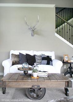 Industrial Farmhouse Family Room. Home decor inspiration.