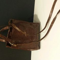 Brown purse with flower print Brown leather looking purse with flower prints Bags Shoulder Bags