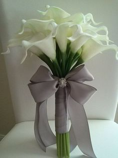 White Calla Lily Wedding Bouquet-Bridesmaid Bouquet-Silk Flower Wedding Bouquet-White Real Touch Calla Lily Bridal Bouquet Calla Lily Bouquet-Wedding by BecauseOfLoveFloral on Etsy Lily Bouquet Wedding, Wedding Flower Guide, Calla Lily Bouquet, Ribbon Bouquet, Bride Bouquets, Calla Lily Boutonniere, Bouquet Flowers, Lilies Flowers, Flowers For Bridesmaids