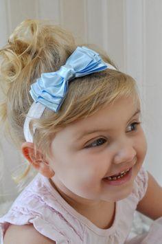 Cinderella Light Blue CANCAN bonita Satin Hair Ribbon Bow HEADBAND faixa branca - Serve para bebês e crianças meninas