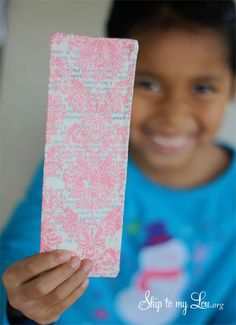 How to sew a bookmark {Kids Sewing Project}
