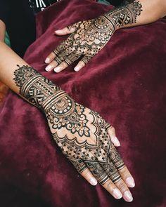 Bridal Henna Mehndi Designs for Full Hands Leg Mehndi, Full Hand Mehndi, Legs Mehndi Design, Mehndi Design Pictures, Henna Mehndi, Mehendi, Modern Mehndi Designs, Wedding Mehndi Designs, Latest Mehndi Designs