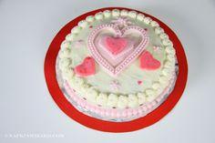 Napkin Folding Expert Valentine Cake