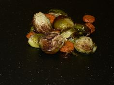 Roasted Brussel Sprouts recipe, discover a simple and delicious Roasted Brussel Sprout and Carrots recipe. Vegan Breakfast Recipes, Vegan Recipes Easy, Cooking Brussel Sprouts, Roasted Sprouts, Mutton Meat, Cooking Dishes, Cooking Time, Greek Grilled Chicken, Sprouts Recipe