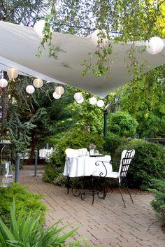 La Perle Noire Restaurant and Lounge in Budapest, Hungary | http://www.designrulz.com/design/2015/02/la-perle-noire-restaurant-lounge-budapest-hungary/