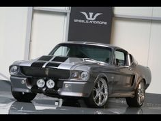 1967 Shelby Mustang GT 500. Want one!!!!!!