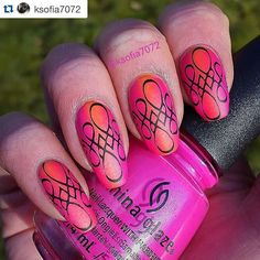Love this stamp design - and she pulled it off flawlessly!  great work by the lovely @ksofia7072  One good thing about doing a challange is that you try new things. It's my first time wearing a neon polish and I think I like it.  This is for #clairestelle8april Neon. I made a vertical gradient with @chinaglazeofficial Purple Panic  and @dependcosmetic Out n' about nr 7077. Stampingplate is @uberchicbeauty 8-01. I topped it with Opi matte top coat.  #chinaglaze #cgclique #dependcosmetic…