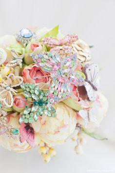 Gorgeous vintage pin bouquet