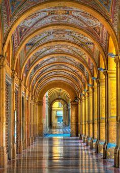 Italia Tour Italy| #Bologna: portici e geometrie! #Italy #Italia