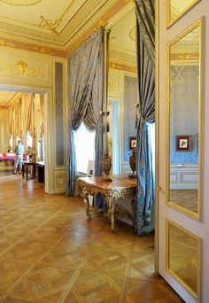 Spanish Apartments, Albertina State Rooms | Photo: 2016, © Albertina, Wien #AlbertinaStateRooms #AlbertinaPrunkräume Spanish Apartment, State Room, Heart Of Europe, Palace, Castle, Apartments, Rooms, Interiors, Home Decor