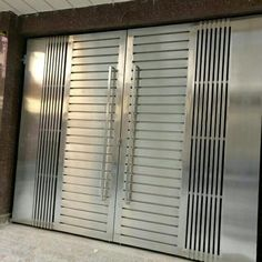 34 Amazing Steel Gate Design Ideas Match With Any Home Design - The purpose of home security gates is simple. They increase the level of security of the property and help to keep the family safe. They can enhance t. Modern Front Gate Design, Iron Main Gate Design, Gate Wall Design, Home Gate Design, Grill Gate Design, Gate Designs Modern, House Main Gates Design, House Front Design, Door Design