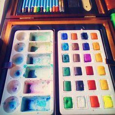 Looking for inspiration. . . . . . #acuarela #pintura #drawing #draw #illustration #pintar #instaart #pen #pencil #boceto #sketch #sketchbook #drawchallenge #artistoninstagram #ink #art #artist #photography #paint #painting #picture #photo #creative #love #dibujo #watercolor #cute #originalart #instaart #fotografia