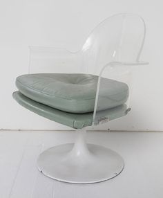 Vladimir Kagan (Attribution) Dining/Lounge Chairs : Lot 87