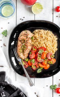Kurczak tahini z kaszą bulgur i sałatką z pomidorków Tahini, Grill Pan, Paella, Grilling, Ethnic Recipes, Kitchen, Dinners, Food, Bulgur