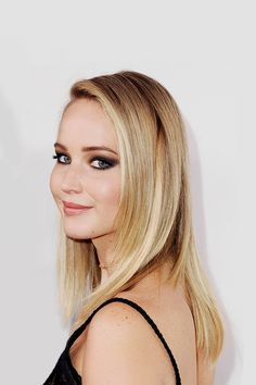 Jennifer Lawrence attends ELLE's 24th Annual Women in Hollywood on October 16, 2017 in Los Angeles, California.