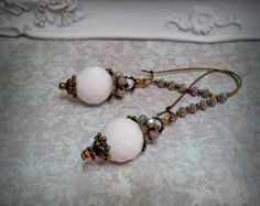 Check out Victorian Earrings,Antique Renessance jewelry,Romantique Vintage style earrings.Chandelier Earrings.White  beads earrings.Long earrings on ezdessin