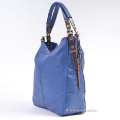 Nowy model dużej torebki w kolorze niebieskim, ozdobne metalowe suwaki, dodatki w dwóch odcieniach brązu, uchwyty z regulacją długości. http://torebki-damskie.eu/niebieskie-blekitne-granatowe/569-duza-torba-w-kolorze-niebieskim-nowy-model.html #torebki #moda