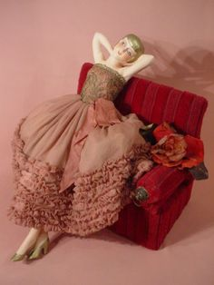 POUPEE-DE-SALON-ANCIENNE-VINTAGE-BED-DOLL-BOUDOIR-1925-30-HALF-DOLL-ART-DECO