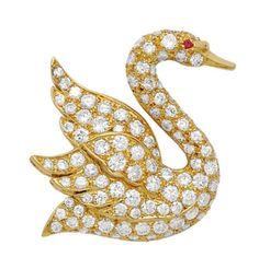 Lot 79 - A DIAMOND AND GOLD SWAN BROOCH, MAUBOUSSIN
