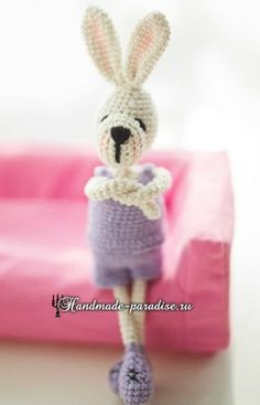 Amigurumi Bunny - Free Russian Pattern here: http://handmade-paradise.ru/kroliki-s-harakterom-vyazanie-amigurumi/