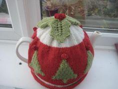 christmas tree tea cosy