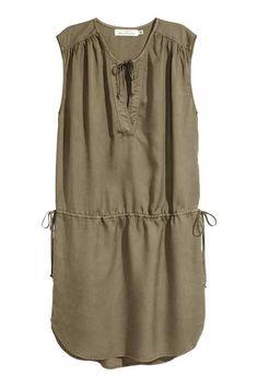 Šaty z lyocellu - Khaki zelená - ŽENY | H&M CZ
