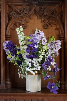 Altar vase for a July wedding with seasonal flowers from Green & Gorgeous