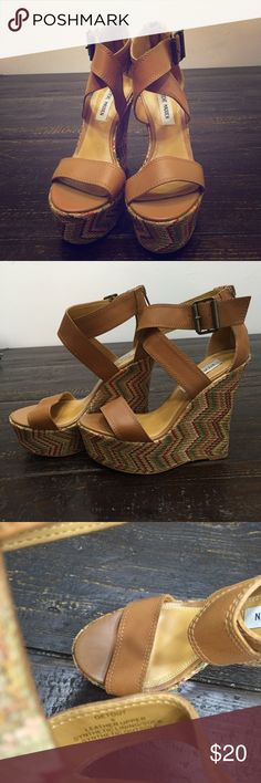 """Steve Madden Getout platform wedge sandals Steve Madden Getout platform wedge sandals in tan leather, multicolored zigzag designed wedge and zip back close ( size 6). 2"""" platform and 5.25"""" wedge heel. Excellent condition only worn once. Steve Madden Shoes Wedges"""