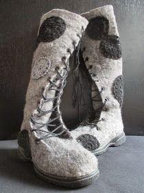 omⒶ KOPPA: MiN - (kukkaympyrä)huopikkaat Felt Boots, Flower Circle, Wet Felting, Fiber Art, Shoe Boots, Footwear, Sewing, Create, Crochet