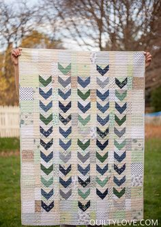 Quilty Love | Flying Geese Arrows Quilt | http://www.quiltylove.com