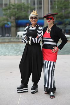 Check out Valerie and Jean's wonderful blog, The Idiosyncratic Fashionistas HERE. ADVANCED STYLE: Graphic Fashion