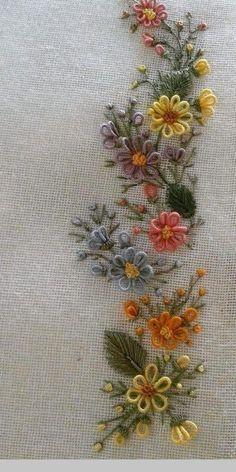 Brazilian Embroidery Stitches, Hand Embroidery Videos, Embroidery Flowers Pattern, Hand Embroidery Designs, Embroidery Techniques, Embroidered Flowers, Sewing Techniques, Beginner Embroidery, Floral Embroidery Patterns