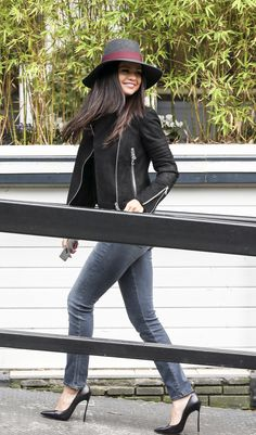 Selena arrives at ITV Studios in London. September 23, 2015.