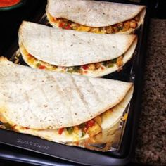 Zesty chicken and cooked peppers are a tasty delight when mixed with cheese and stuffed in a tortilla to create chicken quesadillas. Great Recipes, Dinner Recipes, Favorite Recipes, Luncheon Recipes, Top Recipes, Skinny Recipes, Mexican Dishes, Mexican Food Recipes, Mexican Entrees