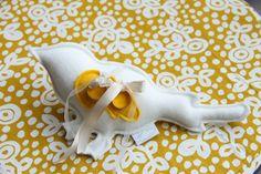 Wedding ring pillow #wedding #pillow #ring #bird #handmade   made by me http://www.handmadebymo.nl