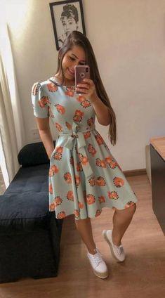 Moda Evangelica Jovem Magrinha 23 Ideas in 2019 Trendy Dresses, Modest Dresses, Modest Outfits, Nice Dresses, Dress Outfits, Casual Dresses, Casual Outfits, Girl Outfits, Muslim Fashion