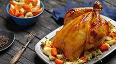 Pečené vykostené kurča so žemľovou plnkou Lidl, Ale, Roman, Turkey, Meat, Youtube, Turkey Country, Ale Beer, Youtubers