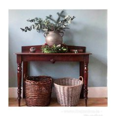 Find Furniture, Entryway Tables, Antiques, Beautiful, Home Decor, Antiquities, Antique, Decoration Home, Room Decor