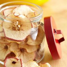 DIY Apple Chips in the Oven #diy #howto