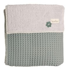 The Oslo blanket is one of our most popular blankets. This blanket is made of lovely waffle fabric with soft plush fabric. The Oslo blanket combines Oslo, Cot Blankets, Mini Me, Little Babies, Bassinet, Baby Love, Flannel, Sapphire, Towel