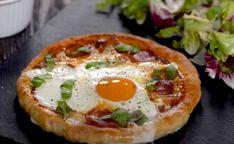 Reggelire pizza? Igen, és még keleszteni sem kell - Ripost Mozzarella, Brunch, Pizza, Eggs, Breakfast, Food, Morning Coffee, Essen, Egg