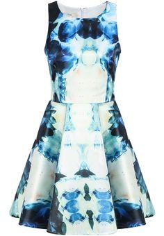 Vestido plisado lotos sin manga-blanco y azul 21.11