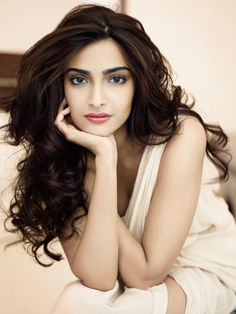 Sonam Kapoor Height, Weight And Body Measurements