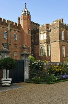 Hampton Court,London