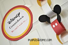 How cute is this Mickey themed countdown chain??